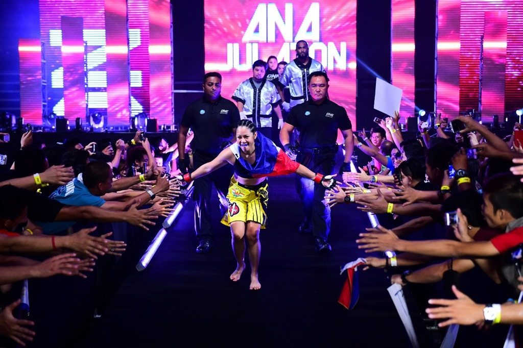 Ana Julaton dedicates fight to fellow Filipinos at ONE FC: Reign of Champions