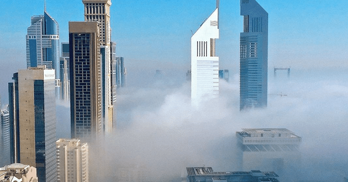 dubai-skyline-in-fog