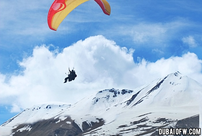 paragliding in georgia caucasus mountains
