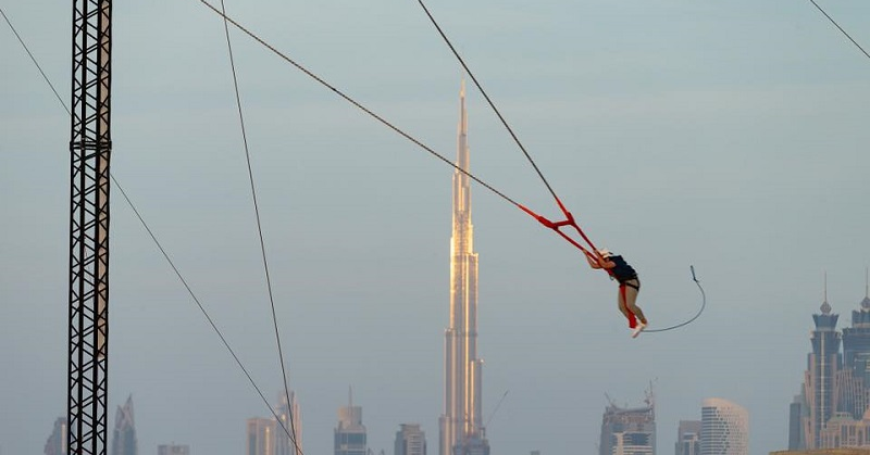 Dubai Royal Tries Out Human Slingshot Ride at Kite Beach 5