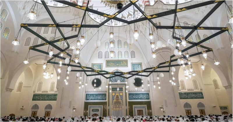 [PHOTOS] Largest Mosque in Sharjah Now Open to Public