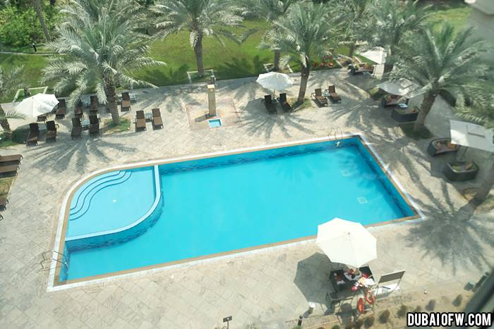Centro Sharjah Hotel by Rotana pool