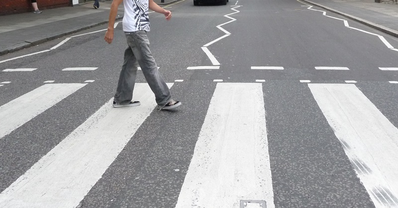 [PHOTO] Check Out this 3D Zebra Crossing in UAE