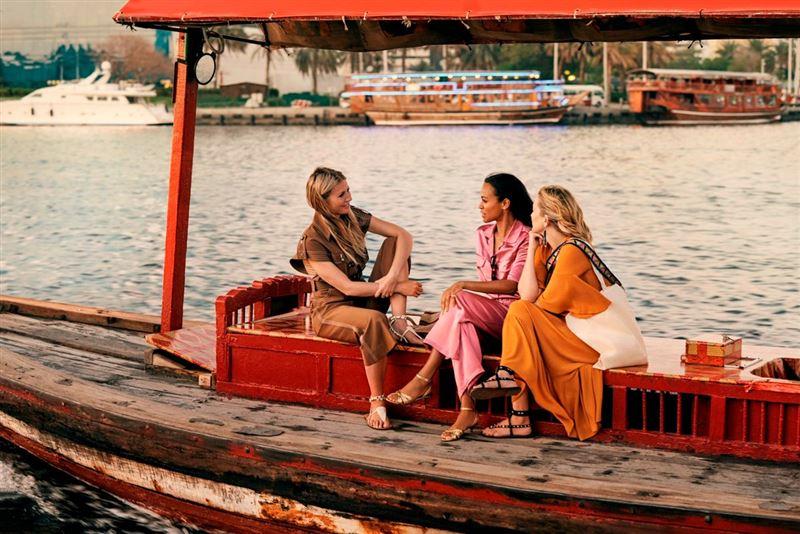 A Story Takes Flight Gwyneth Paltrow, Kate Hudson, & Zoe Saldana Visits Dubai!