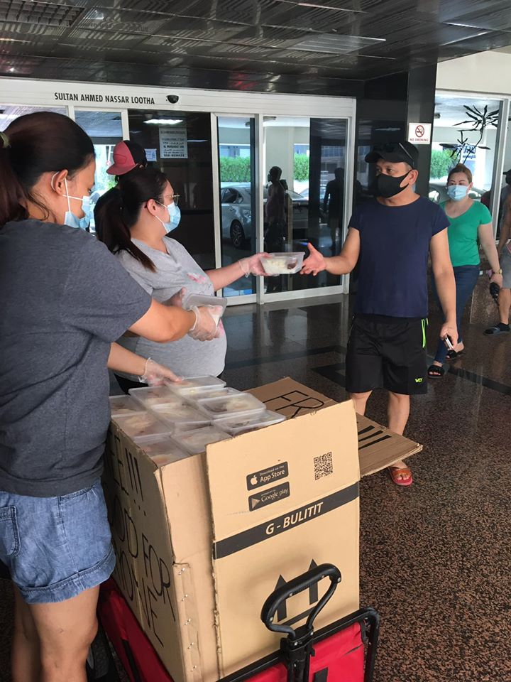 Jobless Pinay in Dubai Distributes Free Packed Meals for Filipino Community