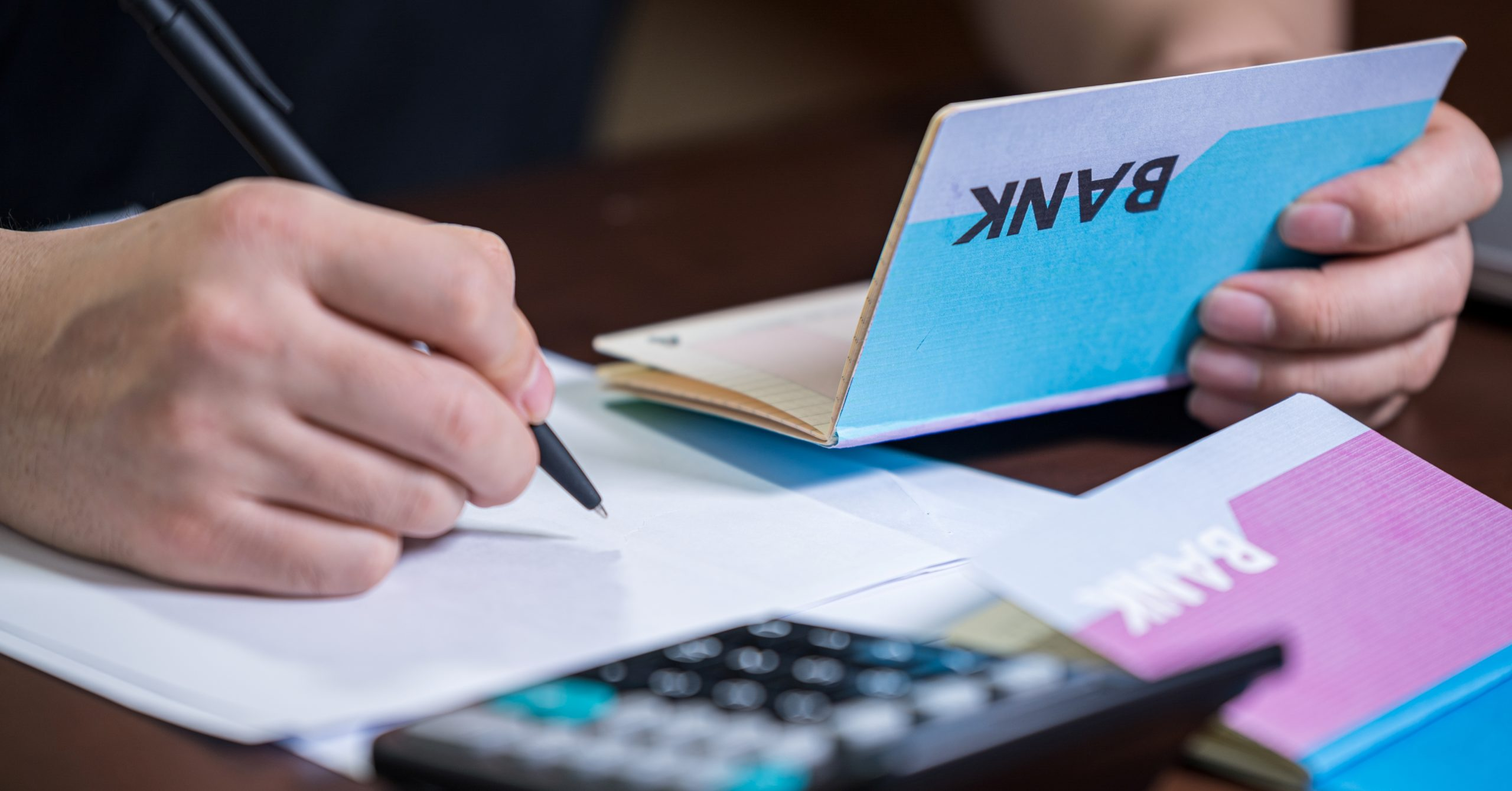 Things to Consider When Opening a Bank Account in UAE