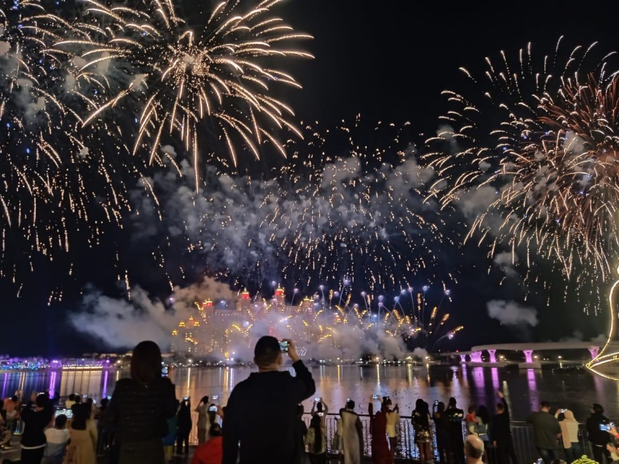 The Pointe Palm Jumeirah New Year Fireworks Livestream Video Online